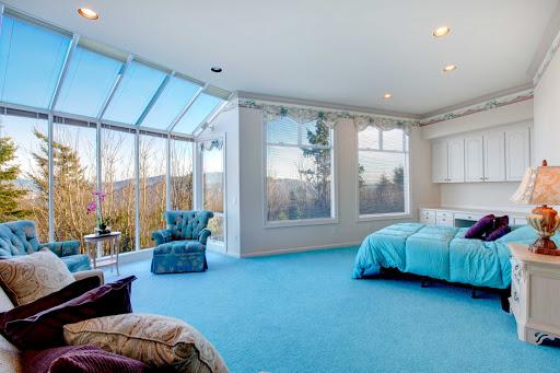 Панорамні вікна в американському стилі інтер'єру